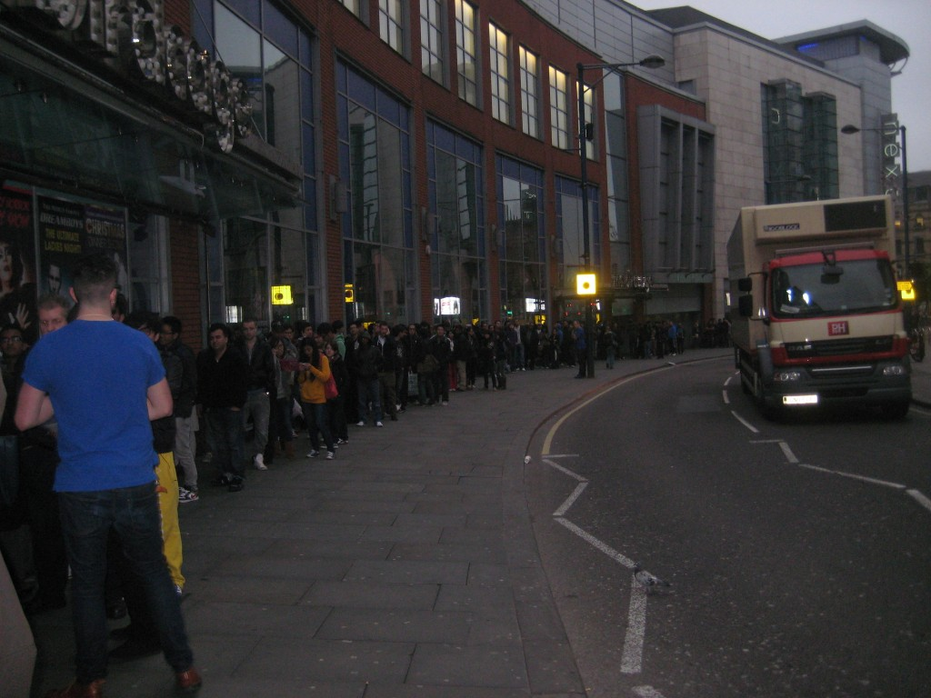 apple store lines manchester