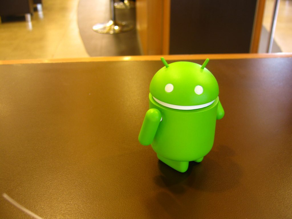 """Android"" (CC BY-NC 2.0) by nekoroid"