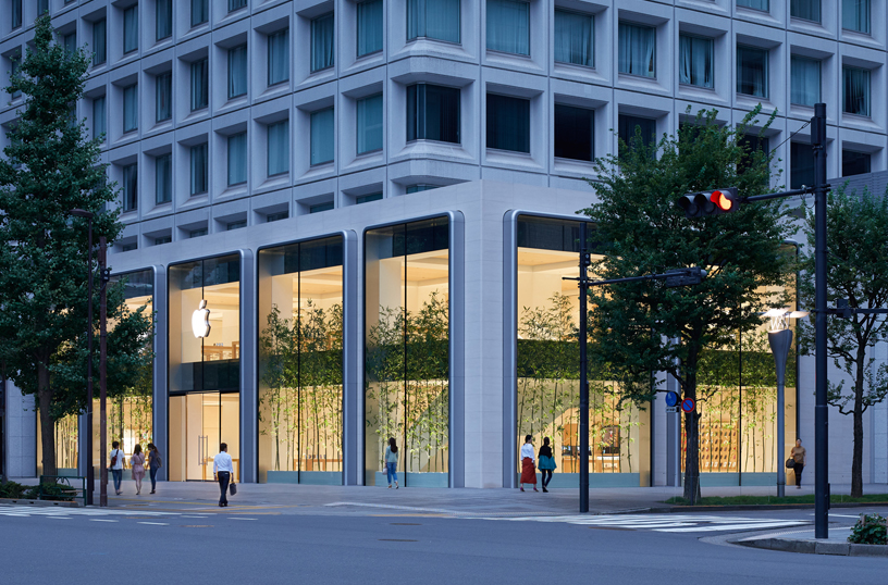 Apple-largest-store-in-Japan
